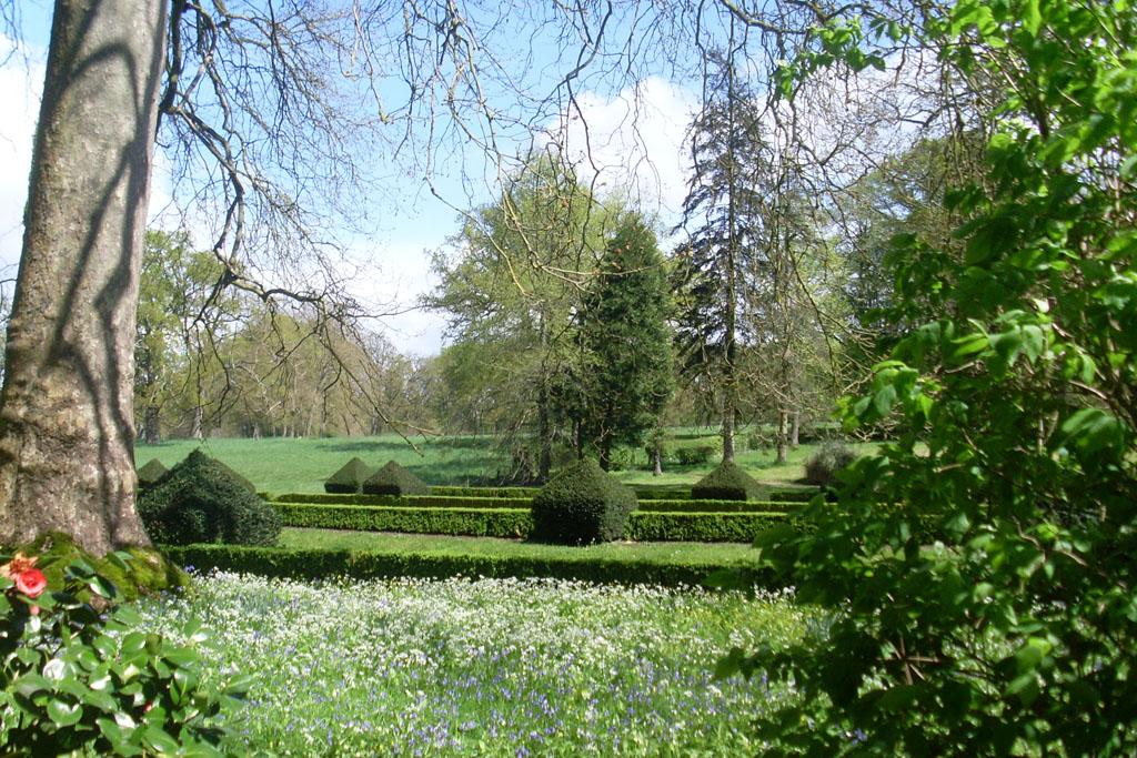 Parc et jardins du ch teau de montriou 49460 feneu for Parc et jardin